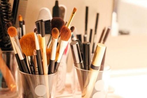 bellaue-maneiras-diferentes-organizar-itens-maquiagem
