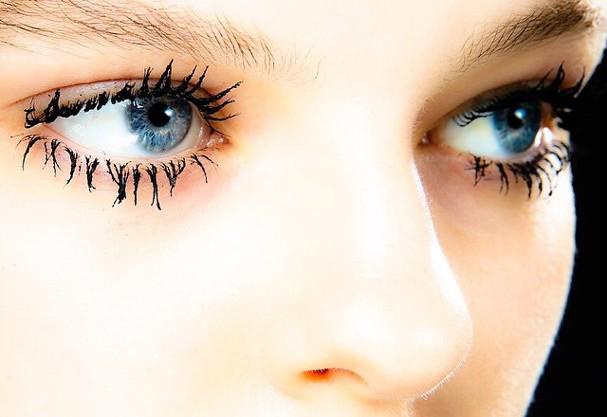 mascara-ginger-and-smart