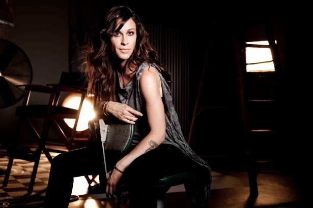 new-Alanis-Morissette-photos